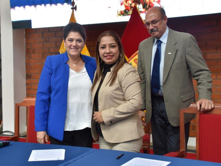 Congreso y Firma de convenio: Universidad católica de Cuenca, Ecuador y CESUVER