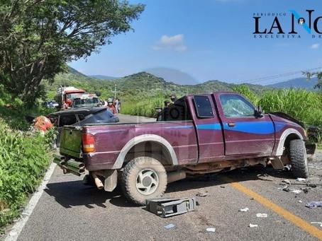 ACCIDENTE EN CARRETERA AMECA-MASCOTA DEJÓ CUATRO LESIONADOS Y UN MUERTO