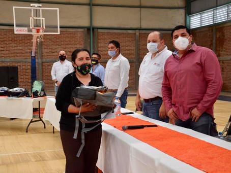 AYUNTAMIENTO DE AMECA HIZO ENTREGA DE ÚTILES ESCOLARES A FAMILIAS AMEQUENSES