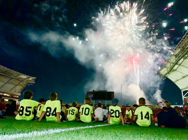 07 boys enjoying fireworks