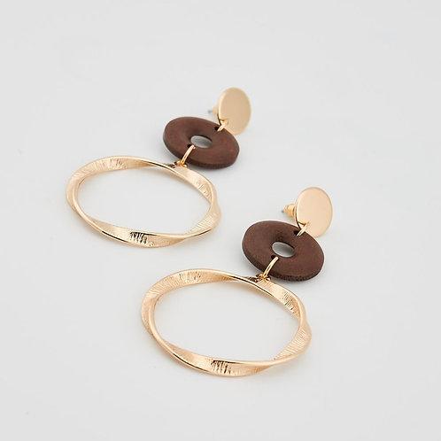 Boucles d'oreilles métal torsadé bois