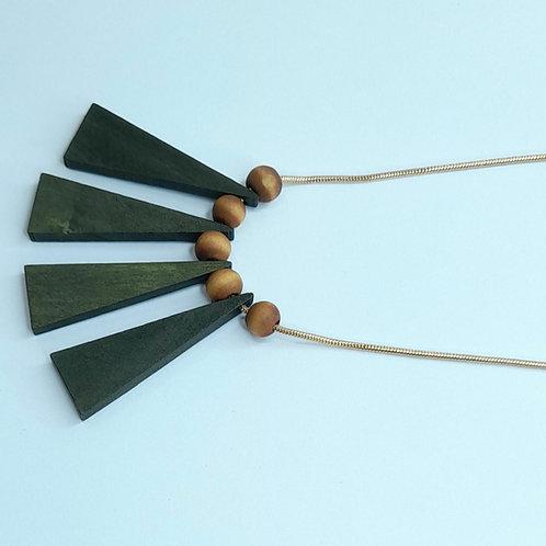 Collier pendentif mi-long