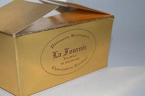 Boîte personnalisée pour chocolats, macarons, pâtisseries ou mignardises.