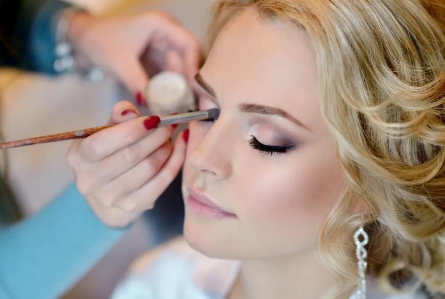 BRIDAL MAKEUP APPLICATION (lashes)