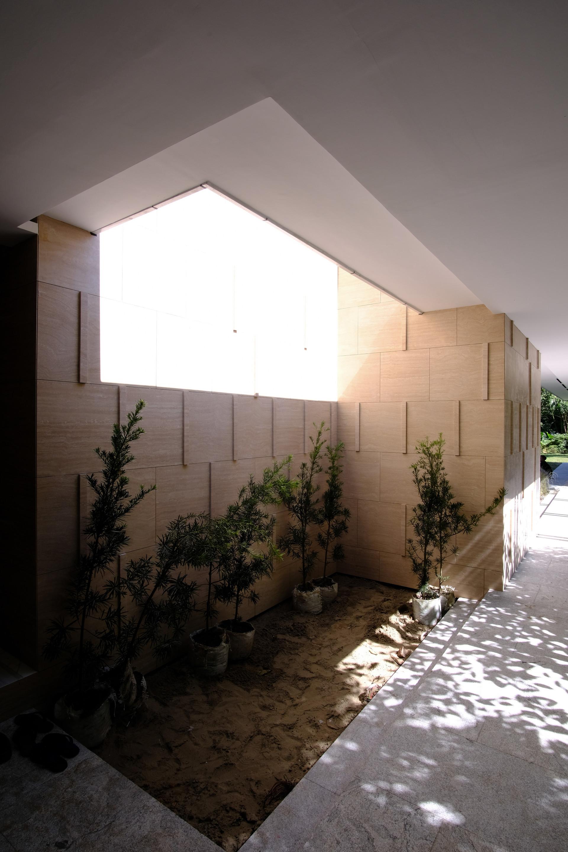 Walkway-01.jpg