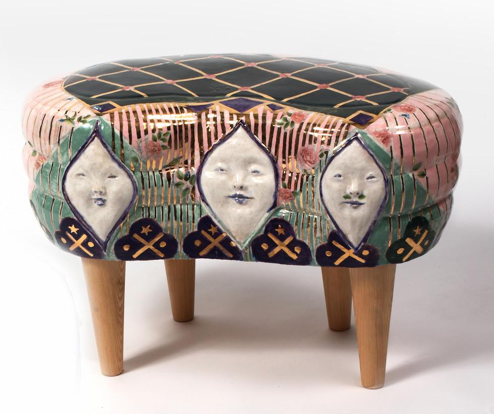 Face stool
