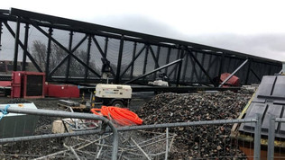 160-tonne bridge topples over during installation