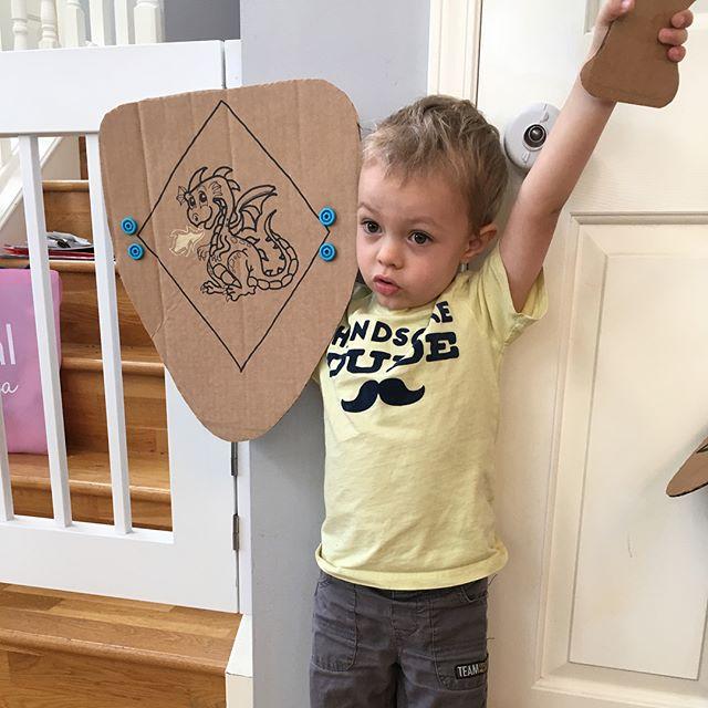 My knights in cardboard armour 🛡#letscreate #carfty #cardboardart #knightsinshiningarmour #knightsi