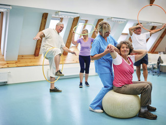 Choose physical therapy for your back pain