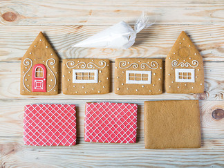 Ten Tips and Tricks for Building a Gingerbread House