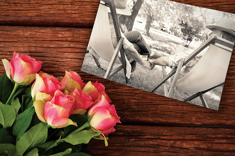 roses photo of couple holding hands romantic suggestions gifts Valentine's