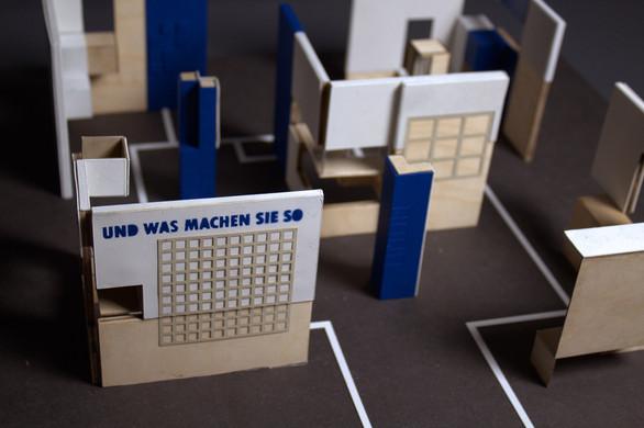 """Modell für den Entwurf der Wanderausstellung """"Und was machen Sie so?"""" (Wettbewerb der Lebenshilfe Kiel) - Abschlussprojekt an der Muthesius Kunsthochschule"""