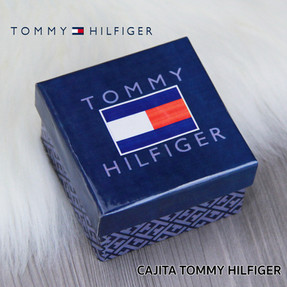 CAJITA TOMMY HILFIGER.jpg