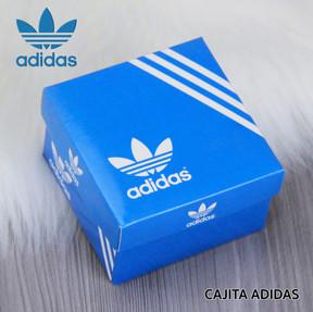 CAJITA ADIDAS.jpg