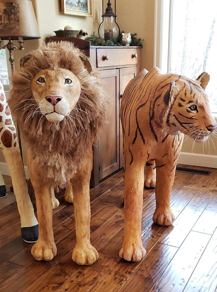 Lion.Tiger.20190316_161031_edited.jpg