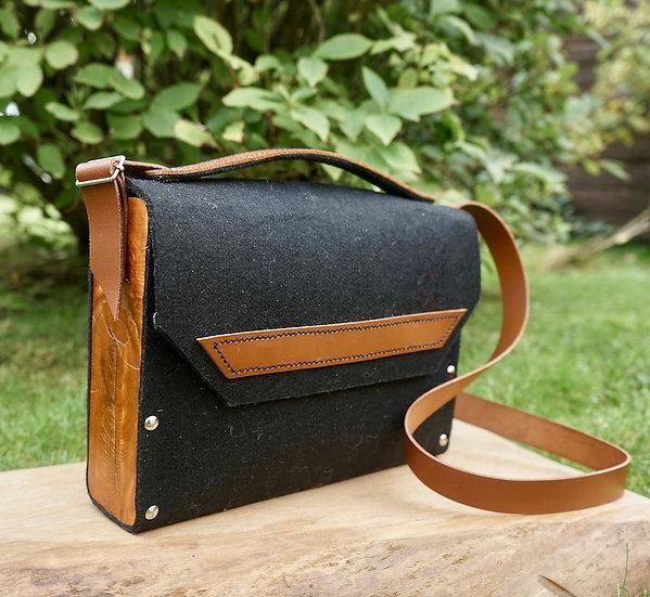 Pokets & Co.  Black Shoulder Bag
