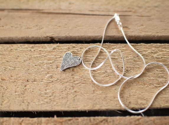 brs25-medium-heart-pendant-reversible-snake-chain
