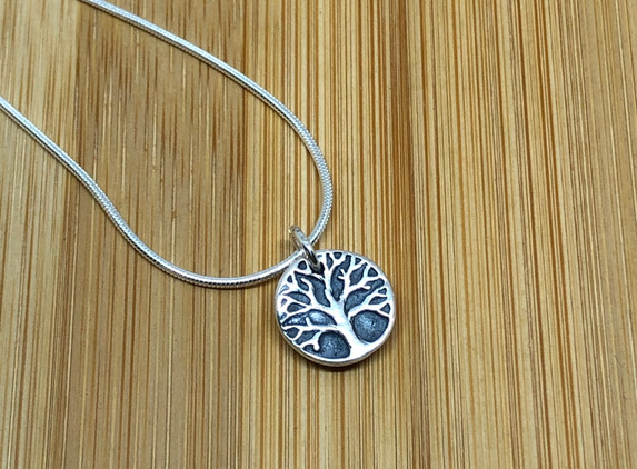 brs35-tree-of-life-pendant-snake-chain