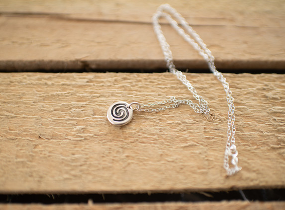 brs08-small-spiral-pendant