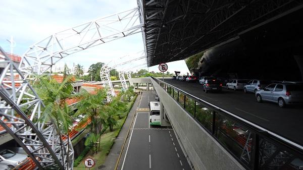 Area externa do Aeroporto do Recife
