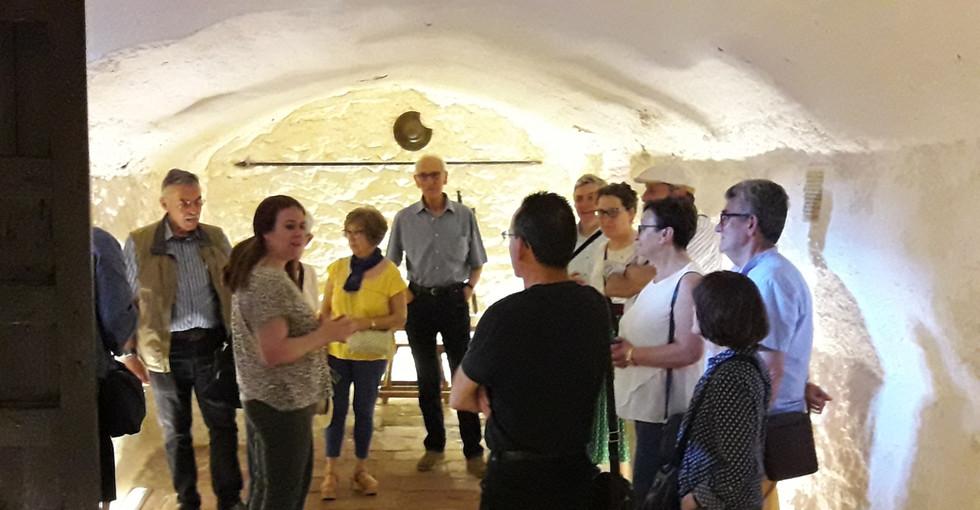 Visita a la Cueva de Medrano