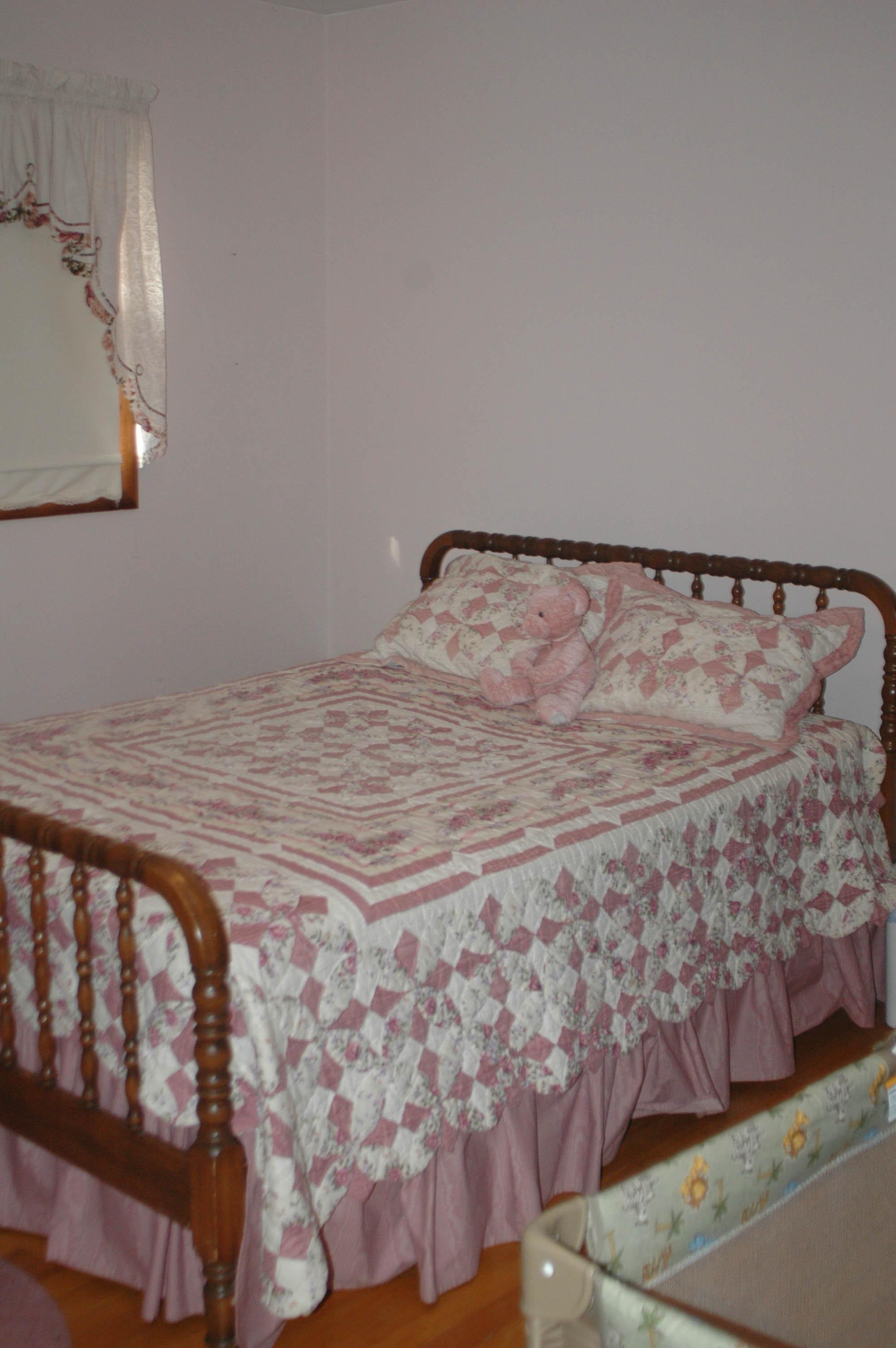 03-11-09- S-Bedroom-2.jpg