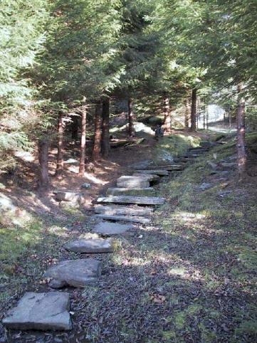 Nedlagde steinar