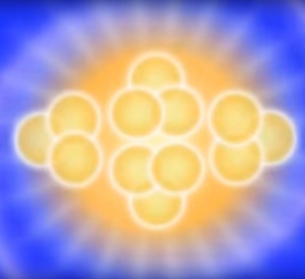 30. Равновесие. Цвет: золотой, Светло-лавандовый и Лавандовый.  Природа: завершающий