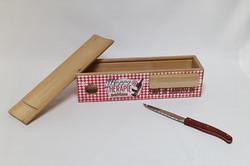 Boîte à saucisson et couteau