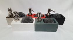 Distributeur de savon / Porte éponge