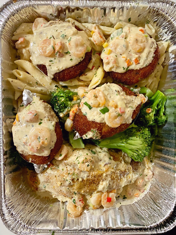 Peewee's Crabcakes Platter