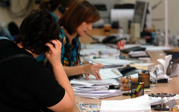 Επιχείρηση κλείδωσε εργαζόμενους για να υπογράψουν συμβάσεις