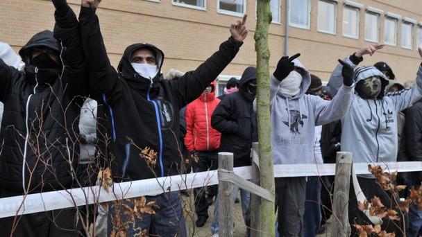Συμμορία μουσουλμάνων σπέρνει τον τρόμο στο κέντρο της Αθήνας