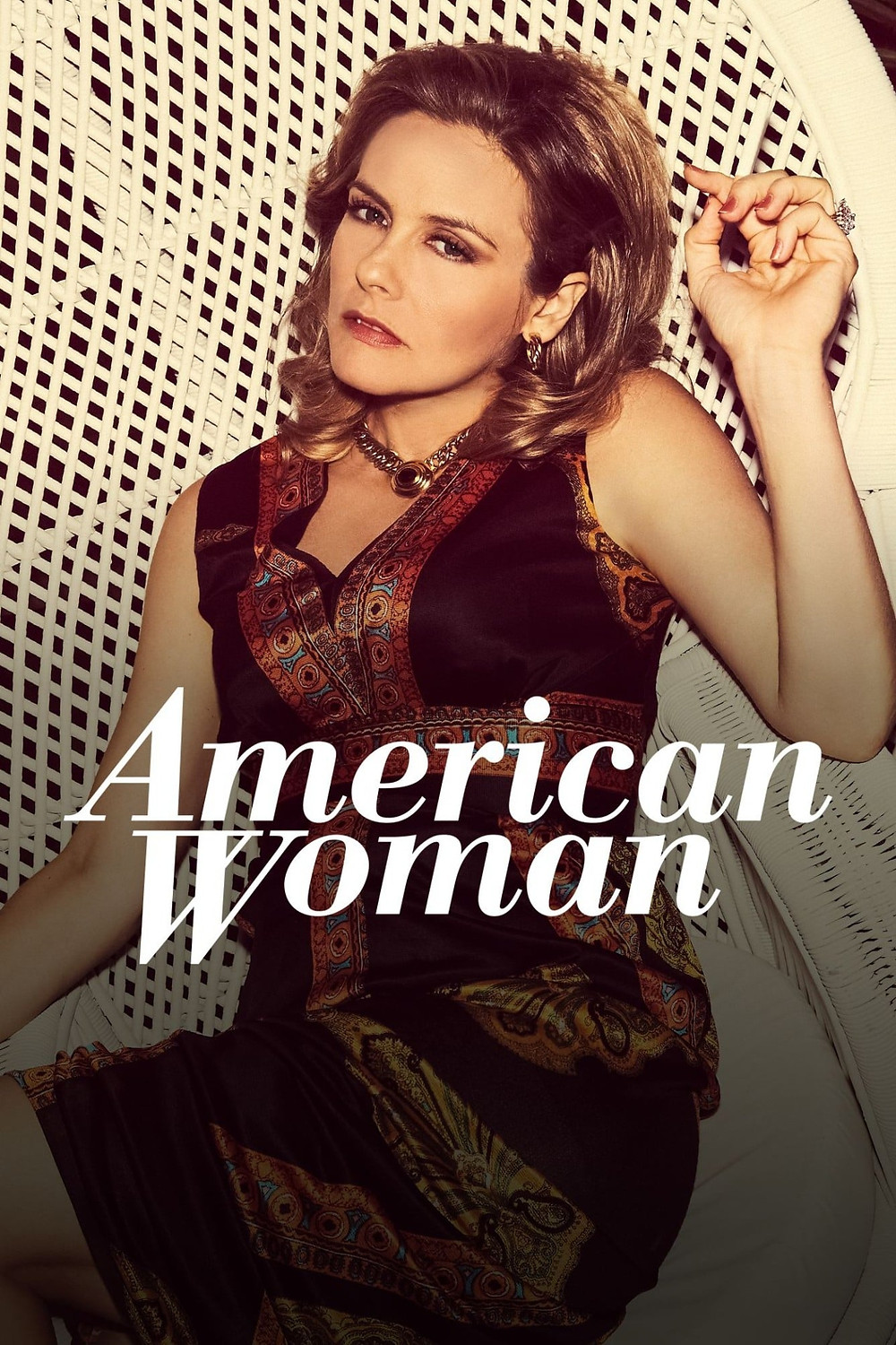 Alicia Silverstone as Bonnie in American Woman TV Show Licensing Brazilian Bossa Nova Music by Monica da Silva