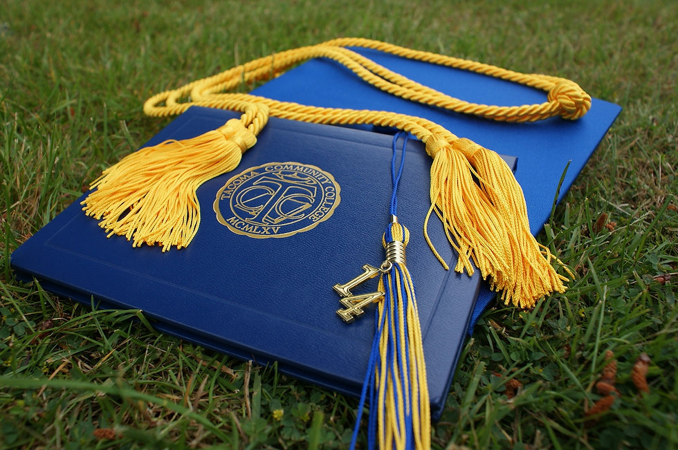 graduation-907565_1920.jpg