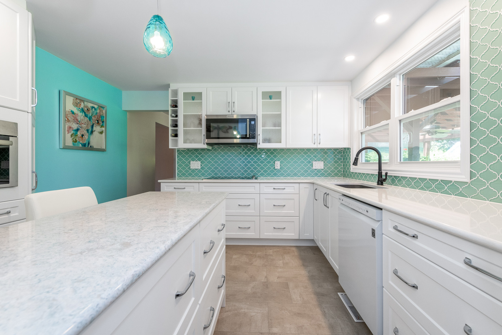 Kitchen dream scape tile
