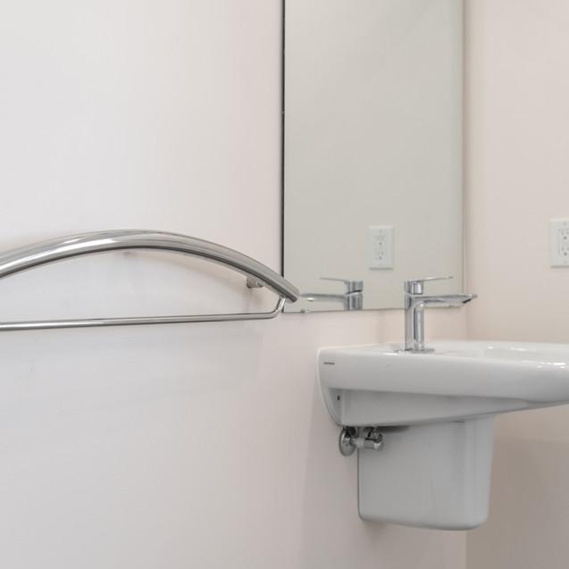 Towel grab bar & roll-under sink