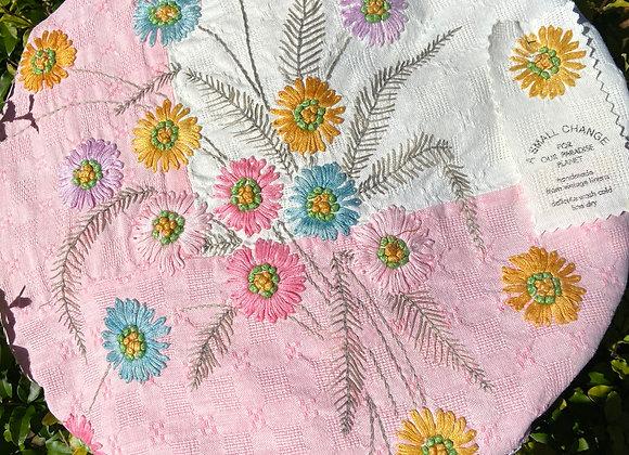 Straw Flowers Pie Cover