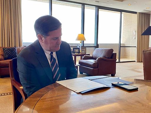 Felicita gobernador de Arizona a Durazo