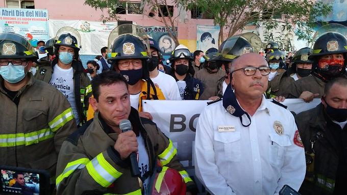 Exigen bomberos de Hermosillo justicia por sus compañeros acusados por caso de la Guardería ABC