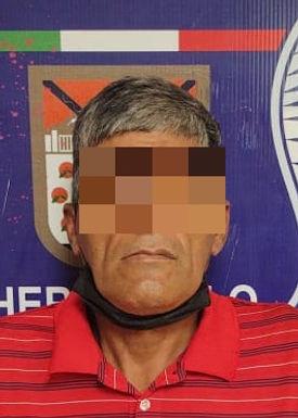 Detienen a un hombre armado, pero también es señalado de robo de vehículo