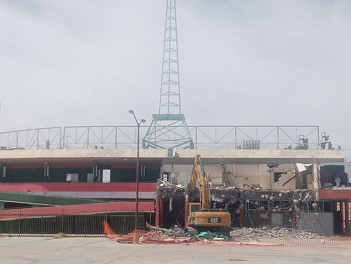 Demuelen parte de la fachada del estadio Héctor Espino