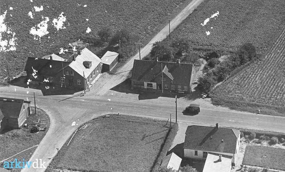 1935-45.jpg