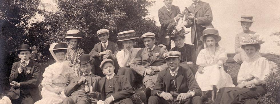 Håndværkerforeningens medlemmer på udflugt  til Floes skov i sommeren 1889.