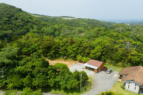 arial view of Phumula Cottage and old farm house
