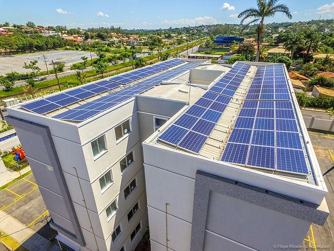 placas-fotovoltaicas-instaladas-em-condo