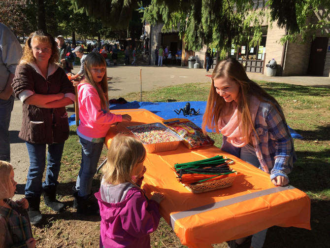 Wrightsdale Families serve at Muddy Run Fall Fest