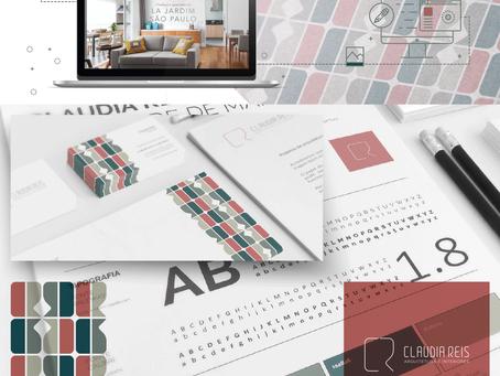 Criação de logo, identidade visual, papelaria padrão e site wix para Claudia Reis Arquitetura