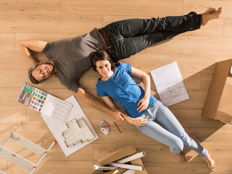 The team at Big Foot has conjured up a list consisting of the pros of vinyl flooring vs tiles.