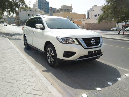 Nissan Pathfinder 2018 model in excellent condition without any payments